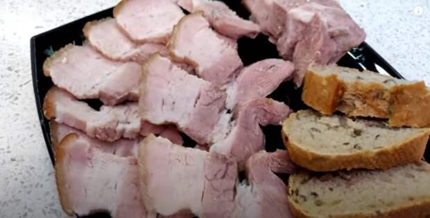 Кладу мясо в банки и получаю вкусную мясную закуску