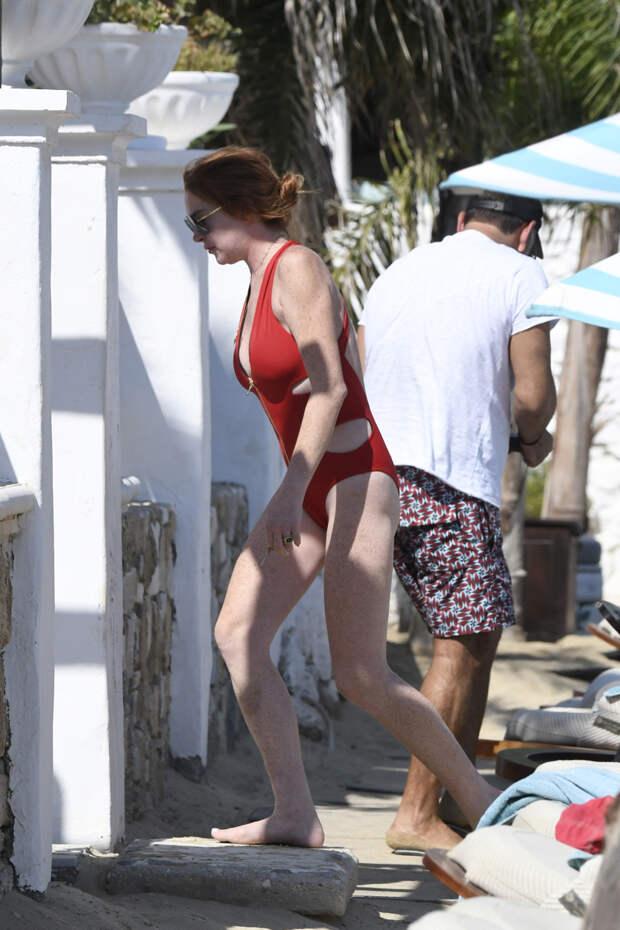 Как выглядит 34-летняя Линдси Лохан в купальнике в инстаграме и в реальной жизни