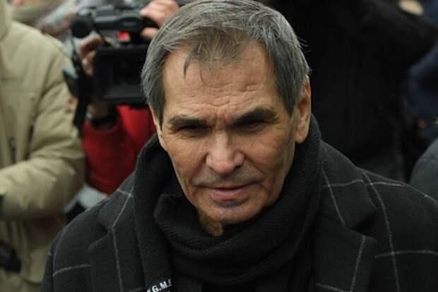 Алибасов прокомментировал скандал с квартирой жены фразой «жизнь — говно»