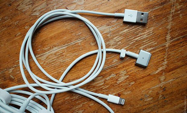 Почему кабели айфонов всегда очень быстро перетираются и рвутся