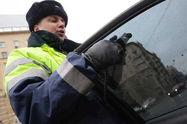 ВМВД опровергли пересмотр штрафов зашторки наокнах автомобилей