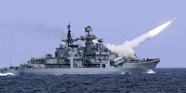 Американские корабли бегут: Китайские авианосцы показали свое превосходство США