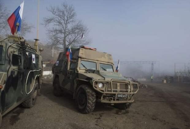 СМИ сообщили о ранении двух российских миротворцев в Нагорном Карабахе
