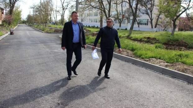 В Керчи продолжается ремонт улично-дорожной сети