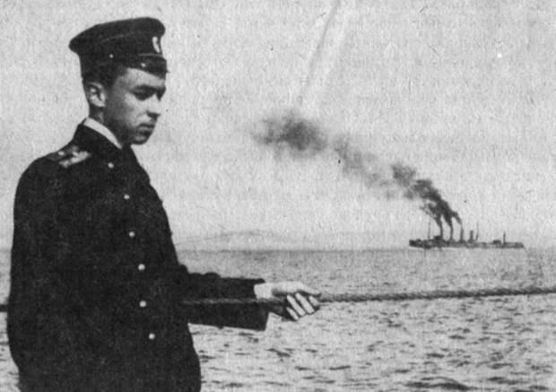 Почему в 1904 году публика потешалась над повышением 20-летнего мичмана в лейтенанты
