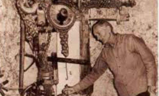 Мужчина 40 лет строил замок в одиночку: ученые пытаются понять технику его работ