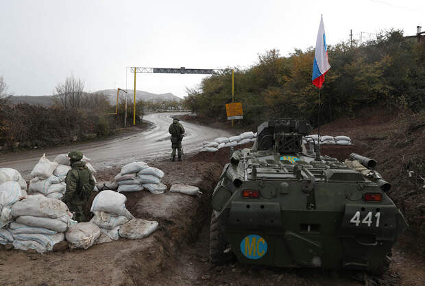 Минобороны РФ опровергло информацию об окружении миротворцев в Гадрутском районе