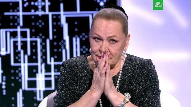 Похоронившая сына звезда фильма «Москва слезам не верит» может обрести новых родственников