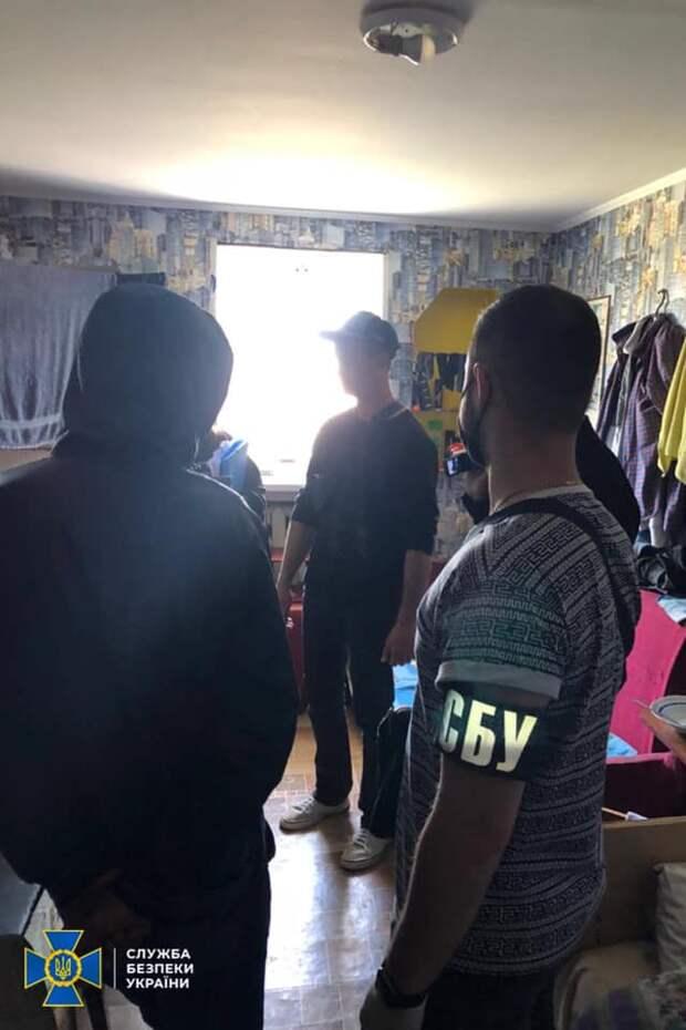 На Украине пастор удерживал людей из Крыма в «реабилитационном центре», заставляя работать на себя