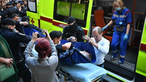 Михаила Ефремова госпитализировали из здания суда с инсультом