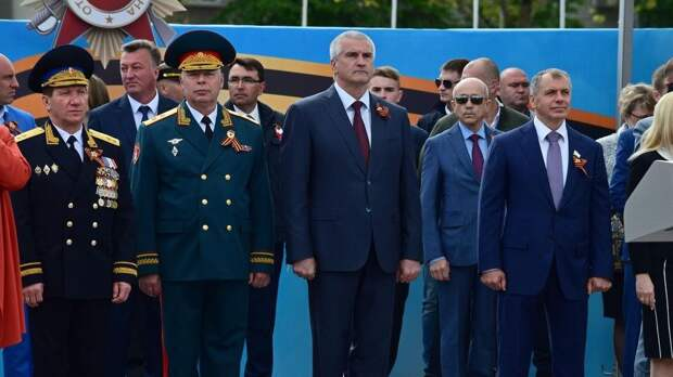 День Победы в Симферополе отметили торжественным парадом