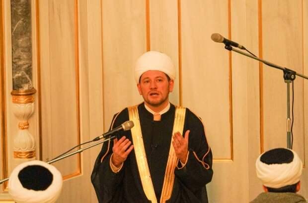 Главный имам Московской соборной мечети поддержал идею приложения для учёта мигрантов