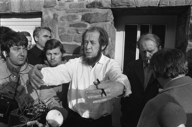 Александр Солженицын: какая сумма находилась на европейских счетах писателя