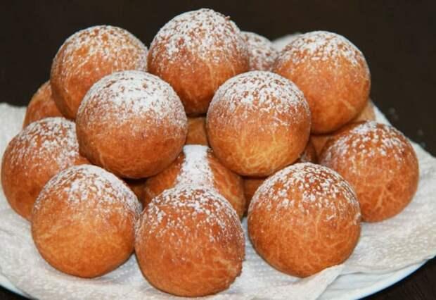 Творожные пончики в масле