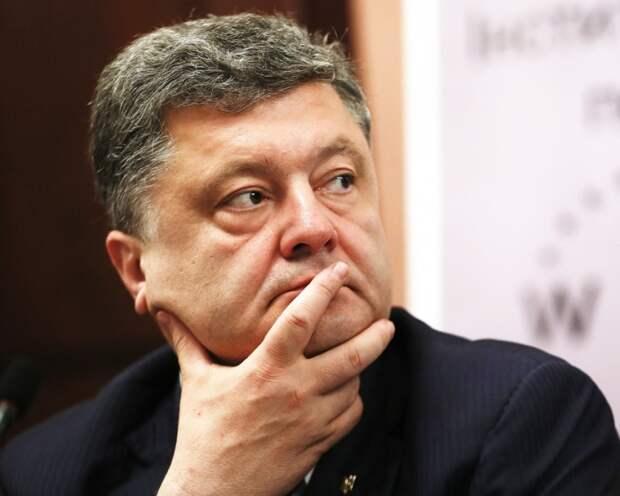 Эксперт оценил реалистичность мечты Порошенко о депутатском кресле в ЕС