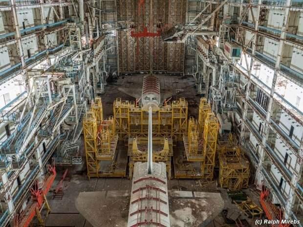 Заброшенный ангар космических кораблей СССР жизнь, интересные, фото