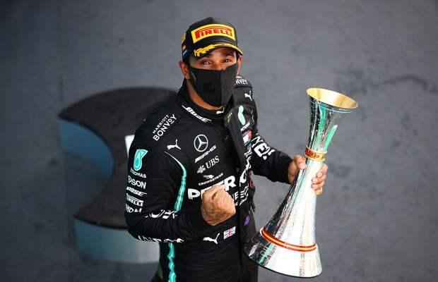 Хэмилтон опередил легендарного Шумахера по количеству подиумов, установив новый рекорд Формулы-1