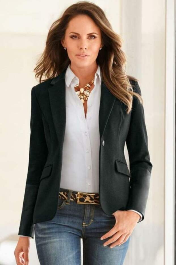 32 стильных и повседневных наряда для деловой женщины