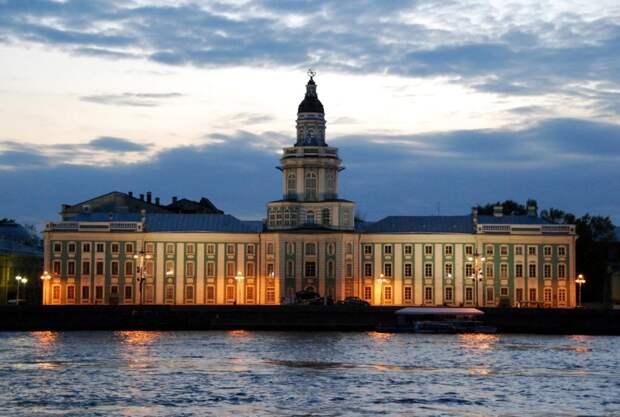 10 красивых зданий Васильевского острова