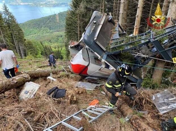 В Италии задержали трех человек по делу о падении кабины фуникулера