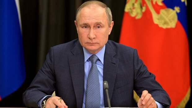Песков разъяснил смысл частого появления Путина в телеэфире