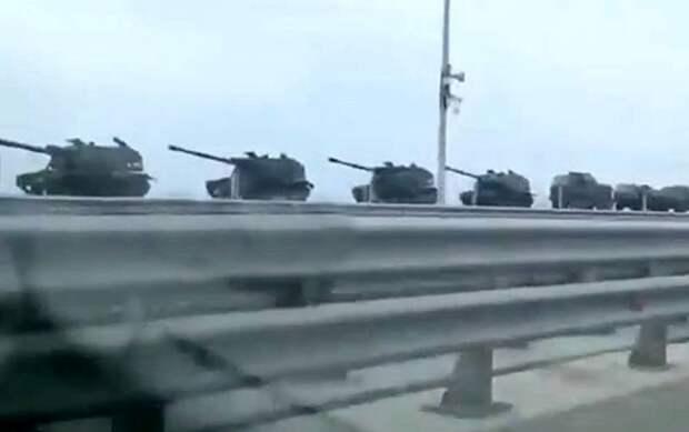 Появились кадры массовой переброски боевой техники в Крым