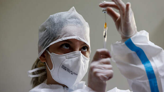 Вакцина от COVID-19 начала массово убивать, русскую панацею Запад закупает контрабандой