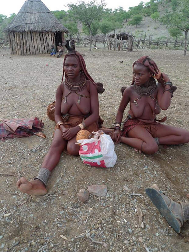 Красавицы племени химба. Намибия. Каоколенд.