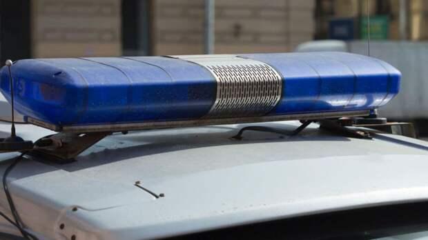 Работники волгоградской промбазы нашли тела мужчины и подростка в автомобиле с прицепом