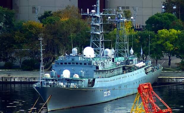 Корабль «Карелия» у берегов Гавайев: Местные считают, что Путин готовит «Крым 2.0»