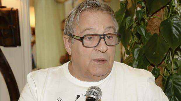 Юморист Геннадий Хазанов признался, что мог стать алкоголиком