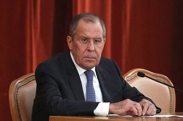 Евросоюз старается не отстать от США в попытках «наказать» Россию, заявил Лавров