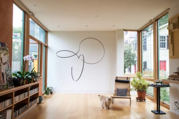 Для оформления стен вы можете использовать абсолютно любые узоры, орнаменты, рисунки или абстракции