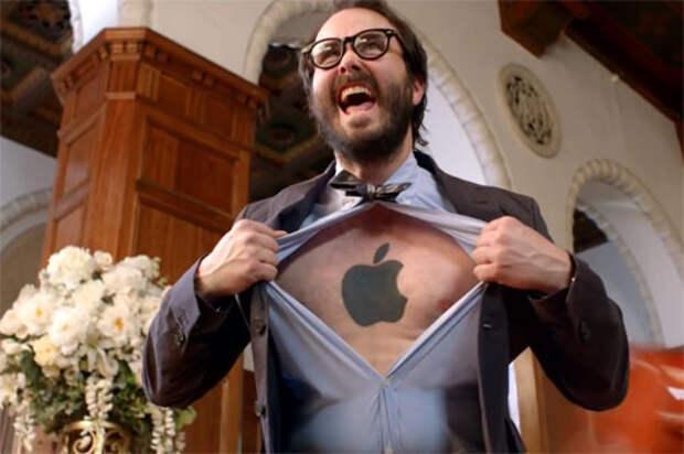 Фанаты Apple и Android подрались в рекламе Windows
