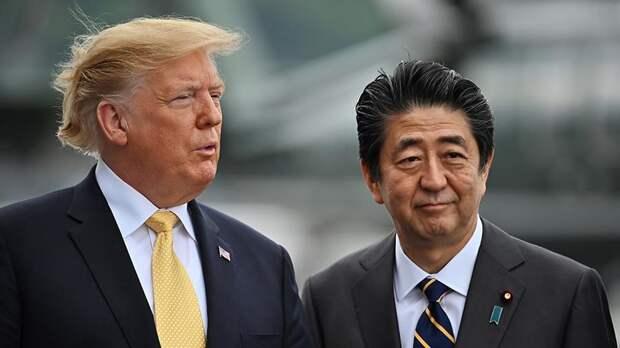 Трамп в беседе с Абэ назвал его величайшим премьером Японии
