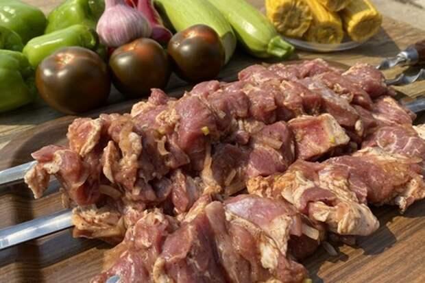 Фото к рецепту: Тонкости маринования шашлыка из свинины
