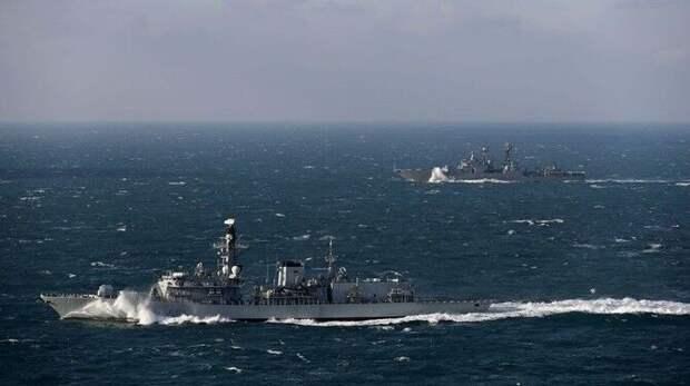 Жители Британии с иронией отреагировали на отправку боевых кораблей в Черноморский регион