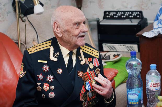 Западные соцсети удаляют сообщения в поддержку ветерана Артеменко