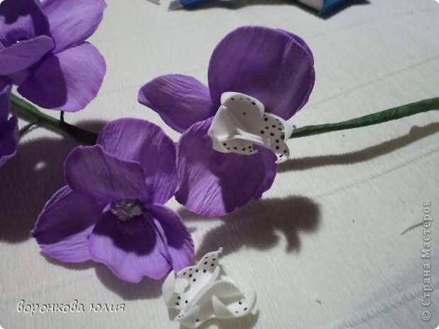 здравствуйте дорогие мастерицы.вот решила с вами поделиться тем , как я делаю цветок орхидеи. фото 30