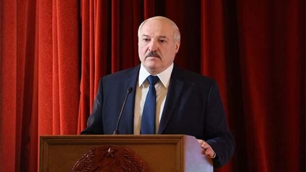 Лукашенко объяснил, почему не планирует ставить прививку от COVID-19