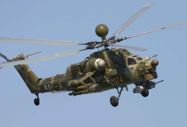Российский ударный вертолет МИ-28Н  или «Ночной охотник» не только «видит» врага с расстояния 35 км даже в темноте, но и несется к нему с максимальной скоростью 300 км/час. В крейсерской скорости он соперничает с американским AH-64D Apache: 265-270 км/час.