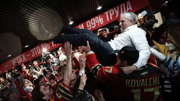 Разин, Хартли и Никитин претендуют на приз лучшему тренеру КХЛ