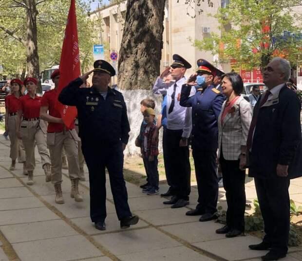 Начальник МО МВД России «Сакский» поздравил ветеранов Великой Отечественной войны С Днем Победы