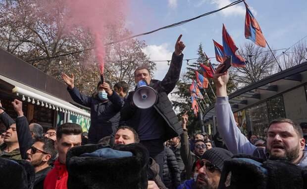 Армения: подрыв основ государственности