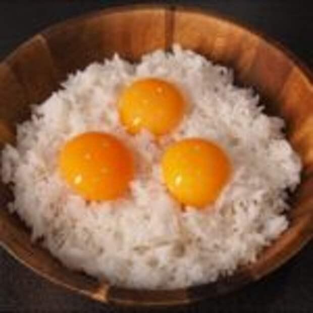 Жареный рис с яйцом (корейская уличная еда)