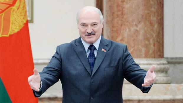 «Можем попросить»: Лукашенко предложил белорусам войти в состав России