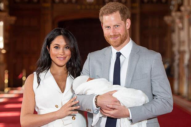Кейт Миддлтон, принц Уильям и королева Елизавета II поздравили сына Меган Маркл и принца Гарри с днем рождения