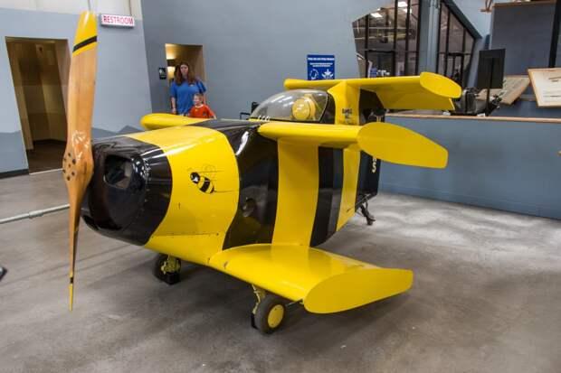 Самый маленький в мире самолет. Starr Bumle Bee.