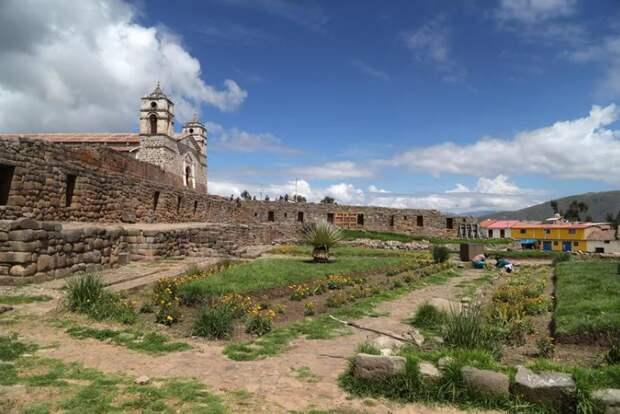 Древний город со следами плавления и мегалитами