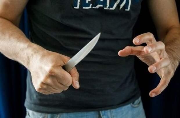 В Джанкое мужчина пытался решить конфликт при помощи ножа